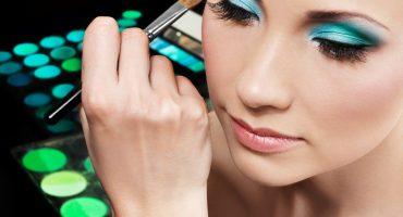 Make up (2)
