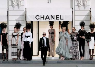 How Karl Lagerfeld Changed The Face Of 20th Century Fashion