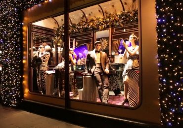 Pack a Punch in Your Visual Merchandising Efforts with Window Displays
