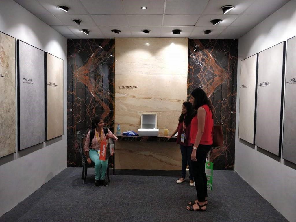 Students Visit to The Economic Times Acetech Exhibition