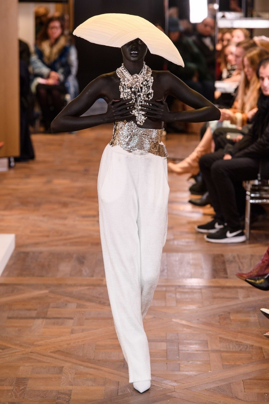 BALMAIN – HAUTE COUTURE SHOW AFTER 16 YEARS!
