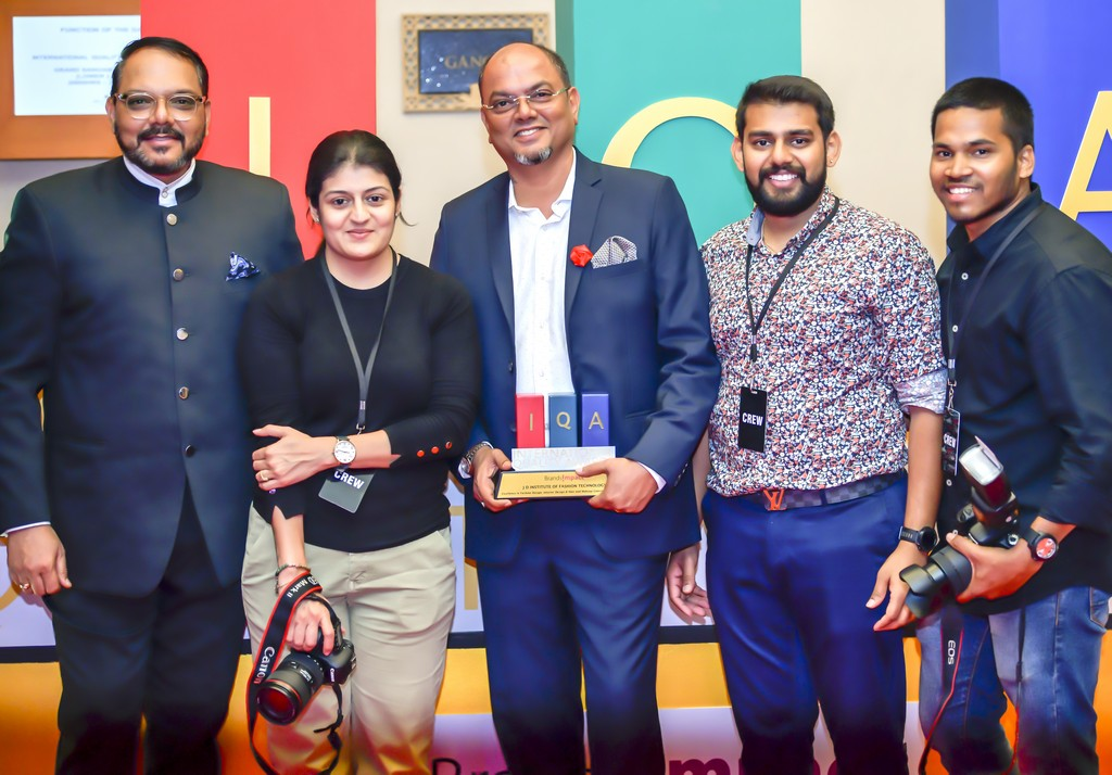 Photography Students capturing the Bollywood Diva jd institute at iqa 2019 along with photography department JD Institute at IQA 2019 along with Photography Department IQA Awards 2019 5